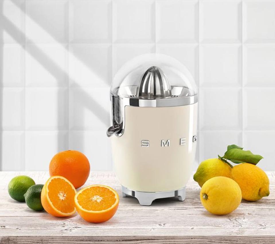 SMEG Citrus Juicer