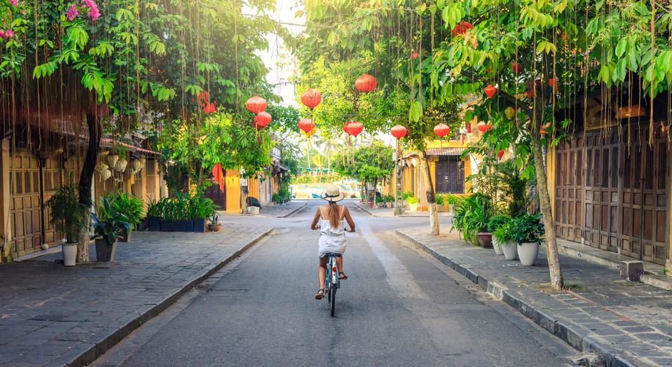 Hoi An in Vietnam cheap travel