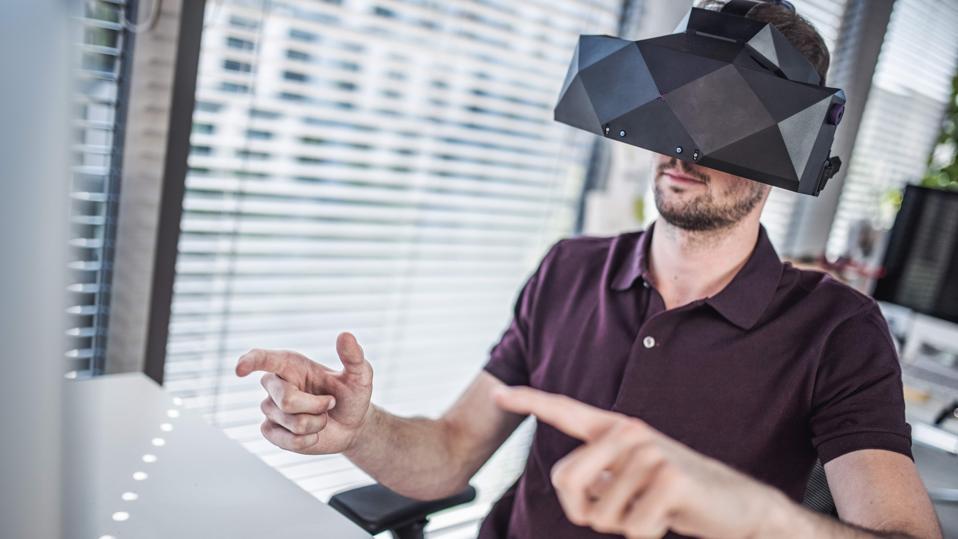 XTAL VR headset