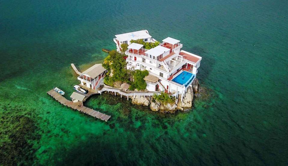 Dunbar Rock Villa in Honduras