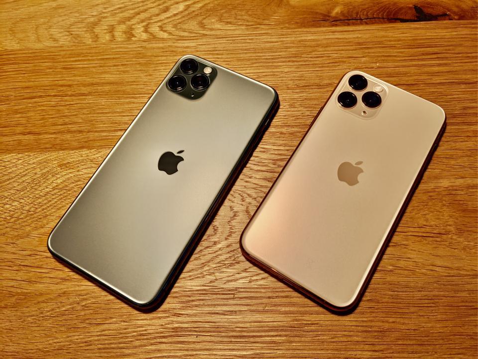 DESK iPhone 11 case