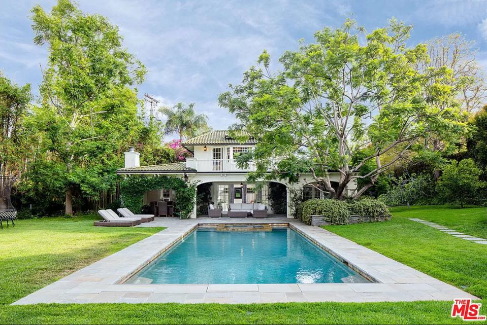 12834 Highwood St, Los Angeles, CA 90049