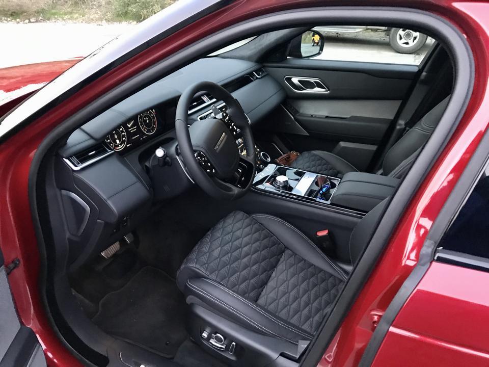 Range Rover Velar SVAutobiography Dynamic.