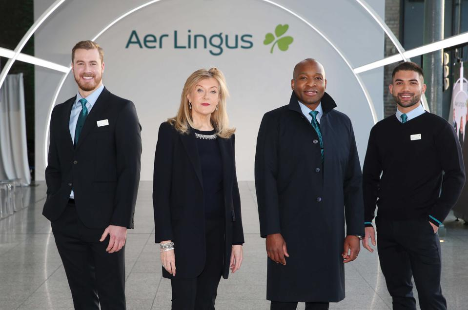 Louise Kennedy and Aer Lingus crew