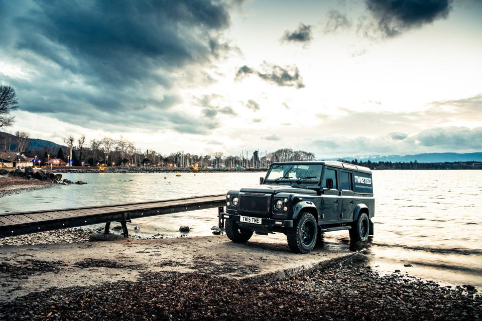 Land Rover - cover