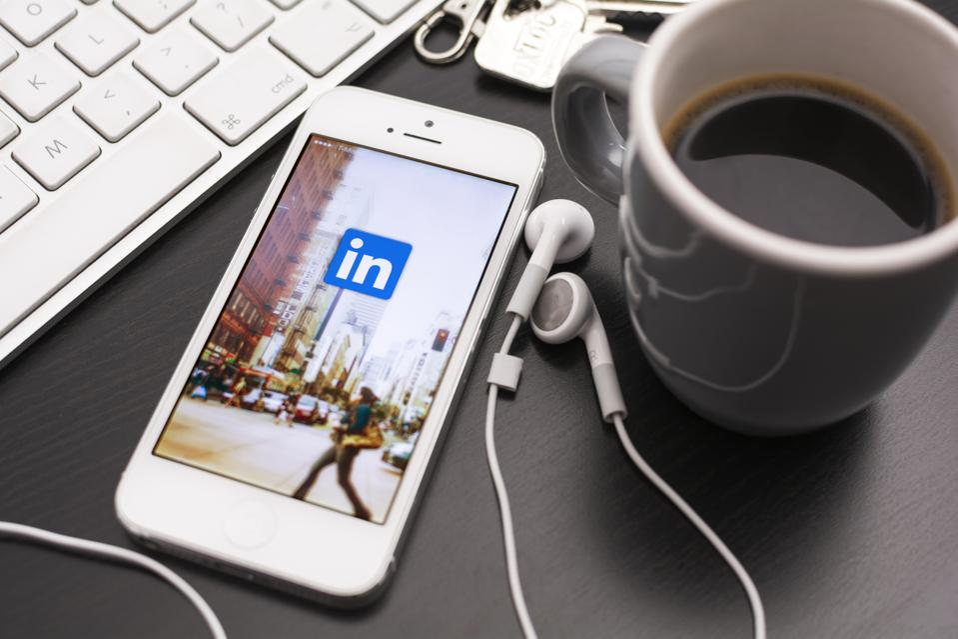 How to Utilize LinkedIn In 2020 to 4X Your Revenue | Stephanie Burns