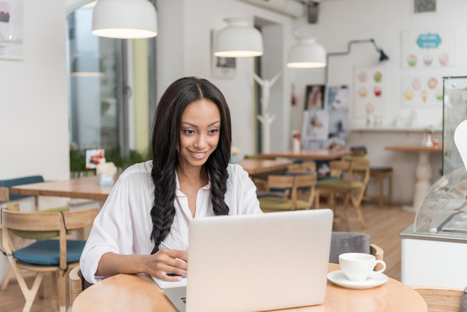 Three Lesser Known Tips for Starting an ECommerce Business in 2020 | Stephanie Burns