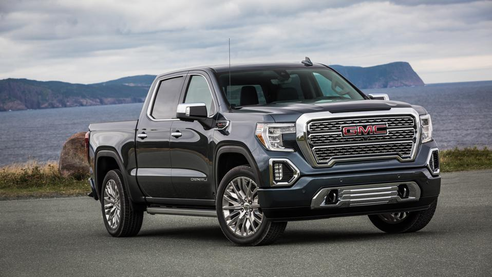 Pickup trucks and sport-utility vehicles again top Kelley Blue Book's annual list of the models predicted to return the best resale values after five years.
