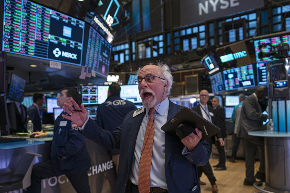 Dow Industrials Cross 29,000 For The First Time As Markets Continue To Soar