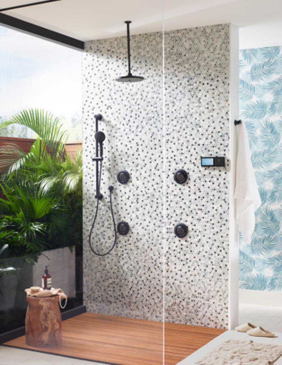 Black fittings and accessories have made it easier to create a black or partially black bathroom.