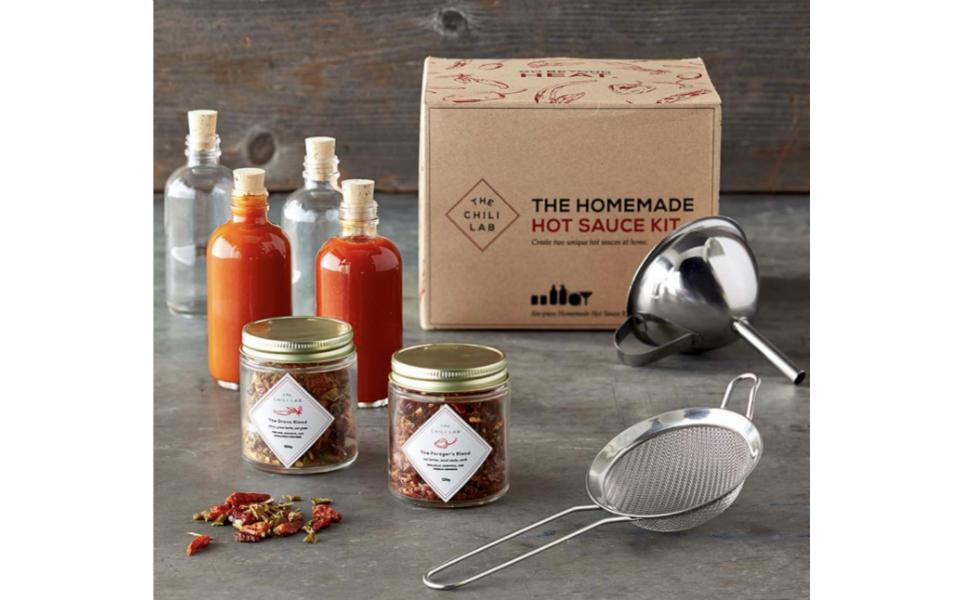 Williams Sonoma The Chili Lab Homemade Hot Sauce Kit