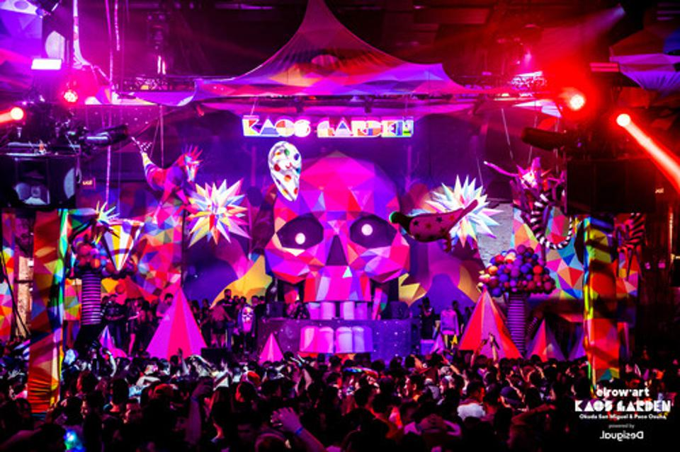 The Kaos Garden stage was created by Okuda San Miguel.