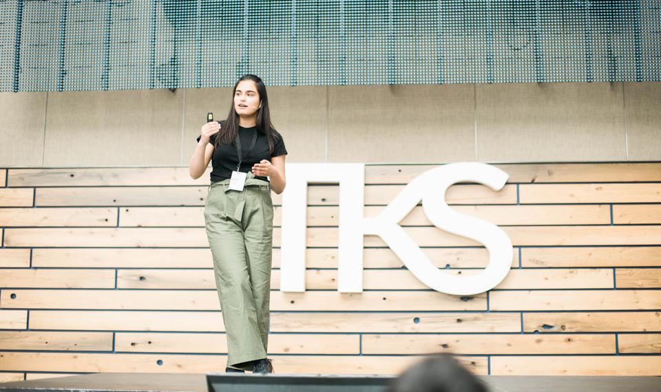 Student Ananya Chadha speaking in Toronto at the TKS Showcase in 2018.