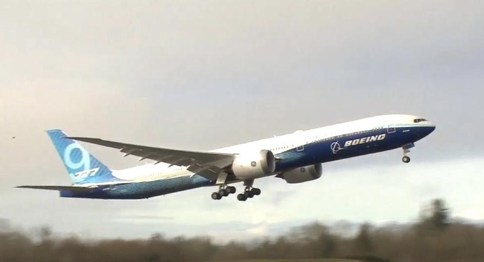Boing 777x first flight