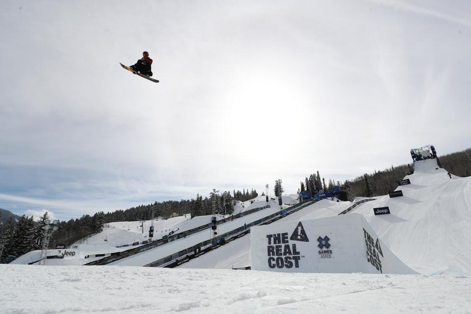 Chris Corning competes in the Big Air elimination at X Games Aspen 2020.