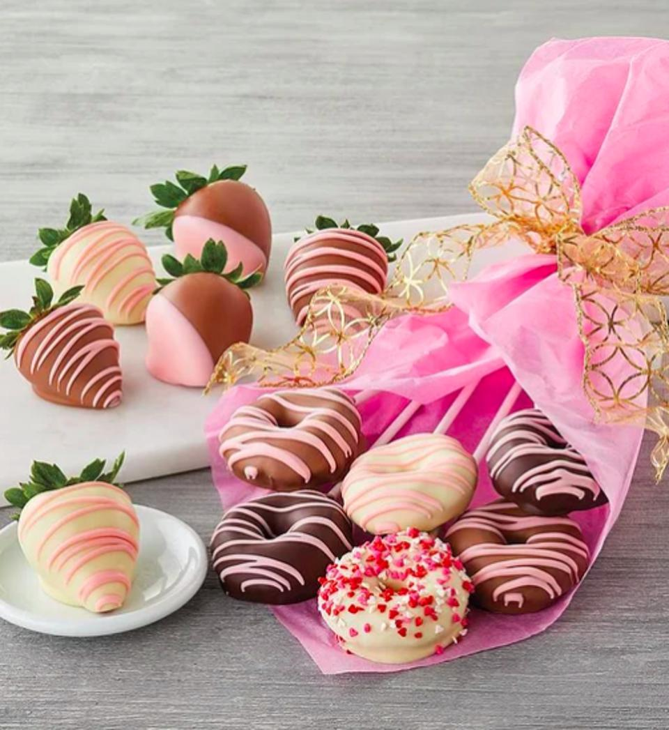 Valentine S Day Chocolate Covered Strawberry Deals