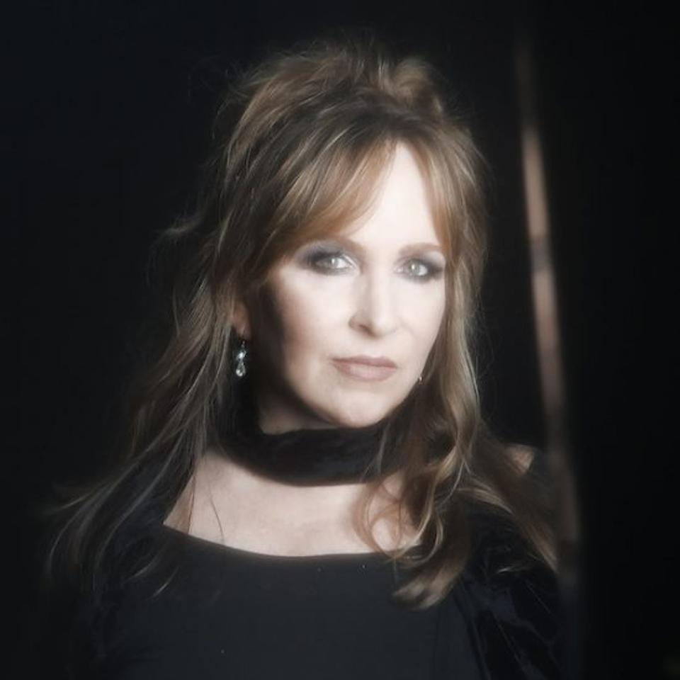 Gretchen Peters was inducted into the Nashville Songwriters Hall of Fame in 2014.