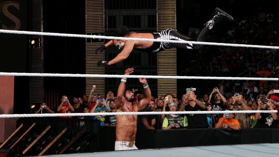 WWE: Seth Rollins vs. Sting