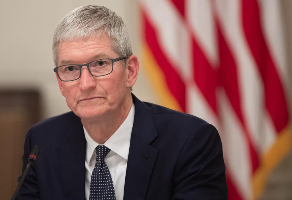Apple, Starbucks Face Different Challenges In Coronavirus Outbreak