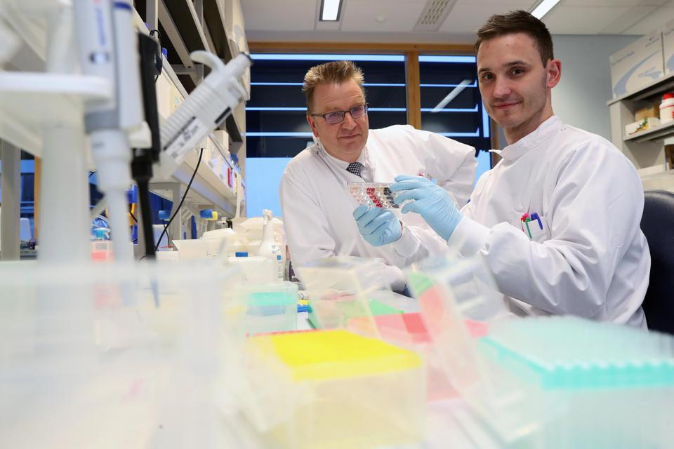 Professor Andrew Sewell with Research Fellow Garry Dolton