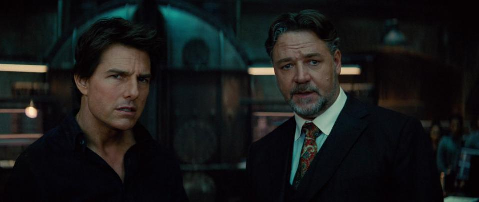 Tom Cruise and Russell Crowe in 'The Mummy'
