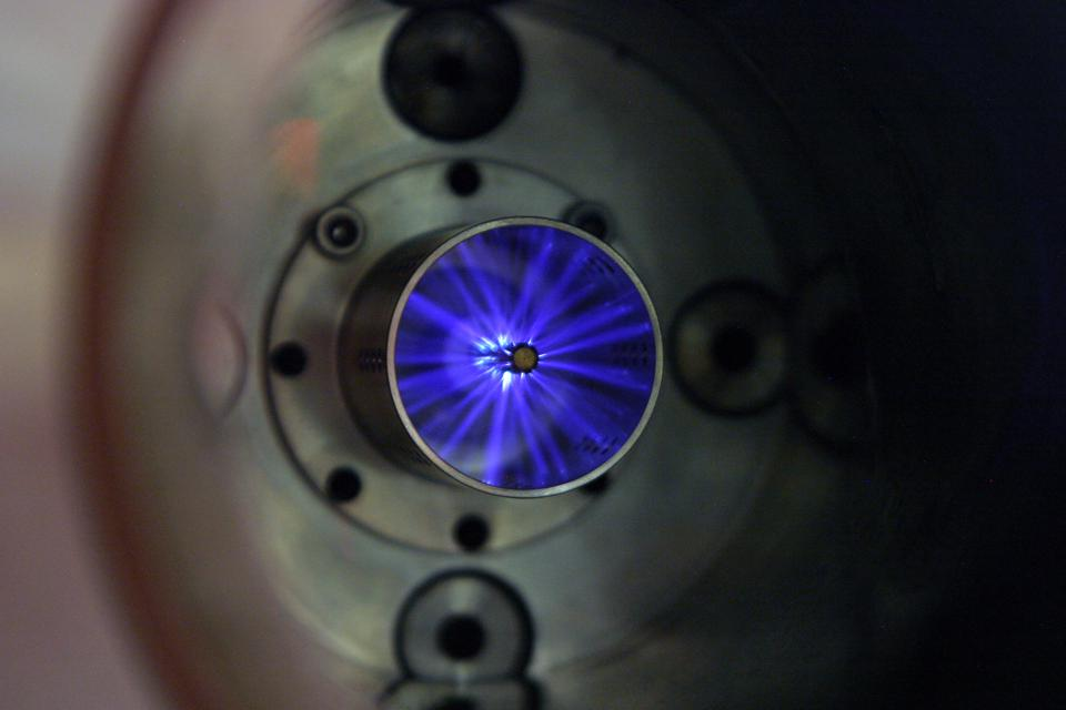Plasma Ignition Sparks Higher Fuel Economy And Cleaner Emissions