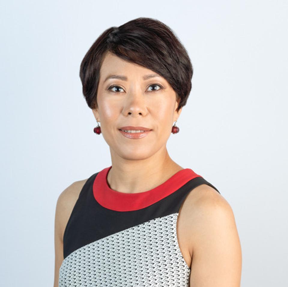 Headshot of Phoebe Yu
