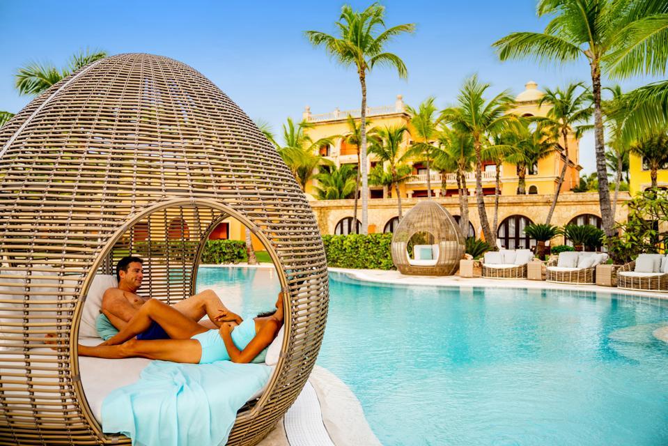 Sanctuary-Cap-Cana-Pool-Lounge-Chair-5