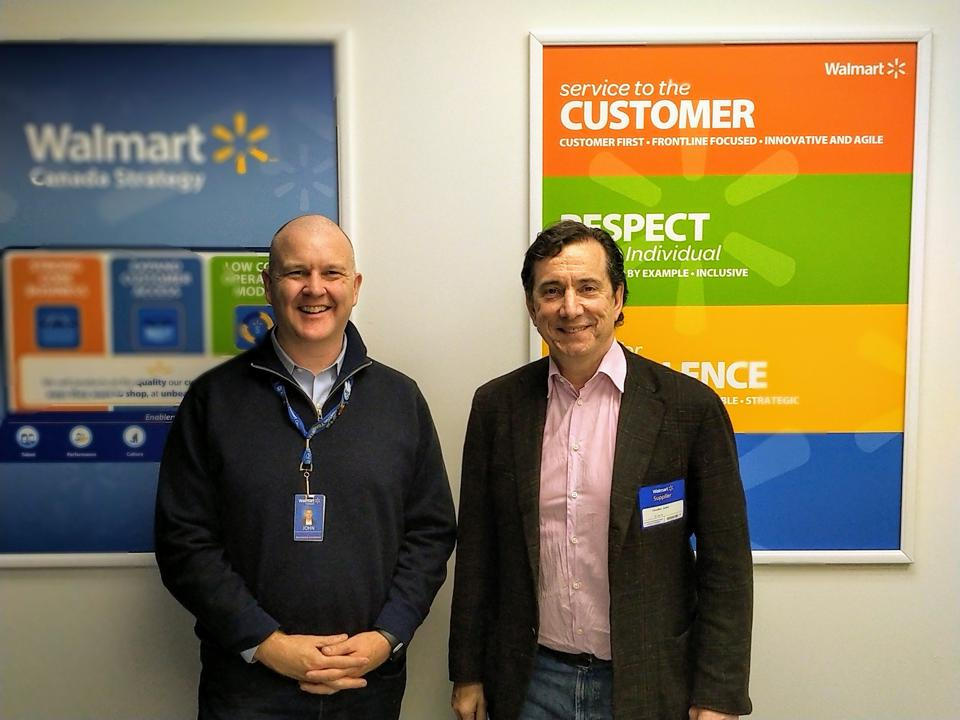 Walmart's John Bayliss and DLT Labs' Loudon Owen (right).