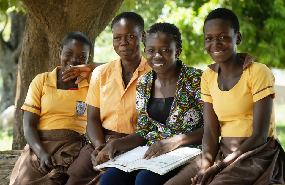 Mercellina, a CAMFED Association member and Transition Guide, works with CAMFED-supported school students and leavers, helping them progress to higher education, employment or entrepreneurship.