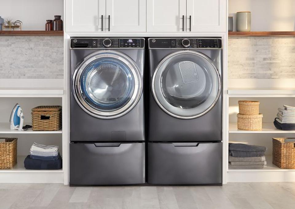 New clothes washer with smart home, customizability and wellness features