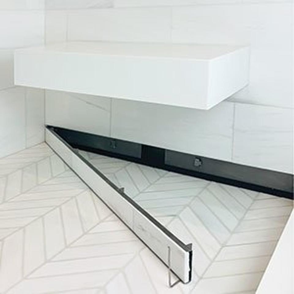 Linear wall drain