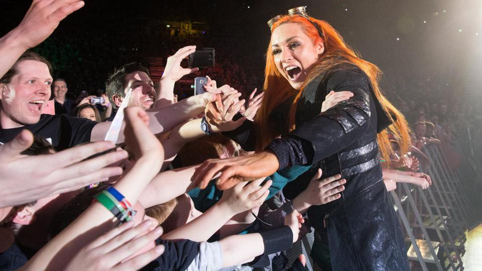 WWE Fans Are Beginning To Turn On Becky Lynch