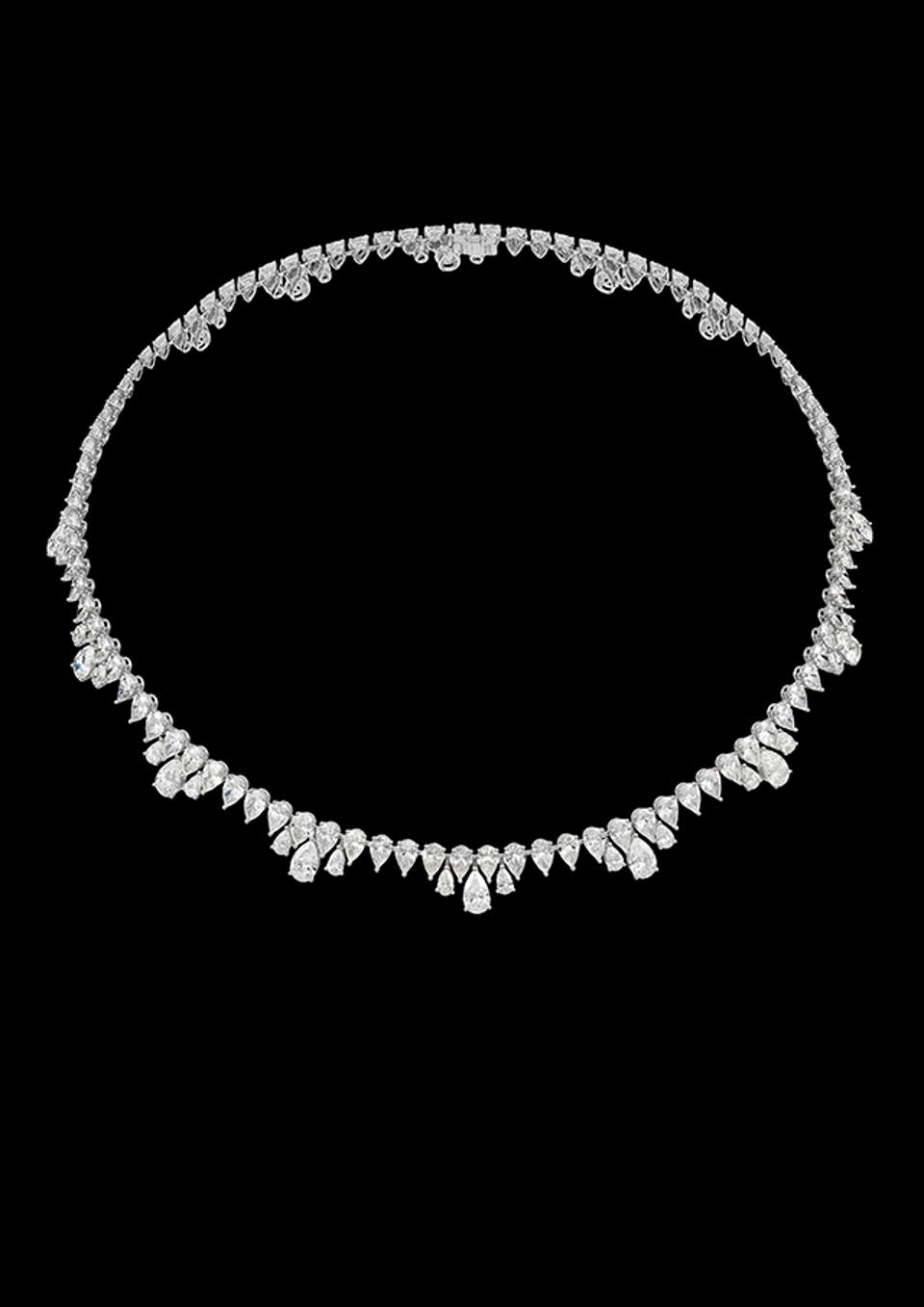 Chopard diamond necklace from the Green Carpet collection. It will star in the next James Bond film.