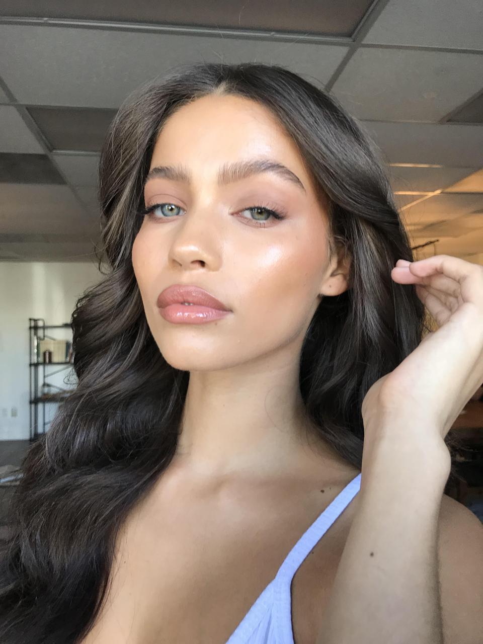 Lina Mourey - natural look