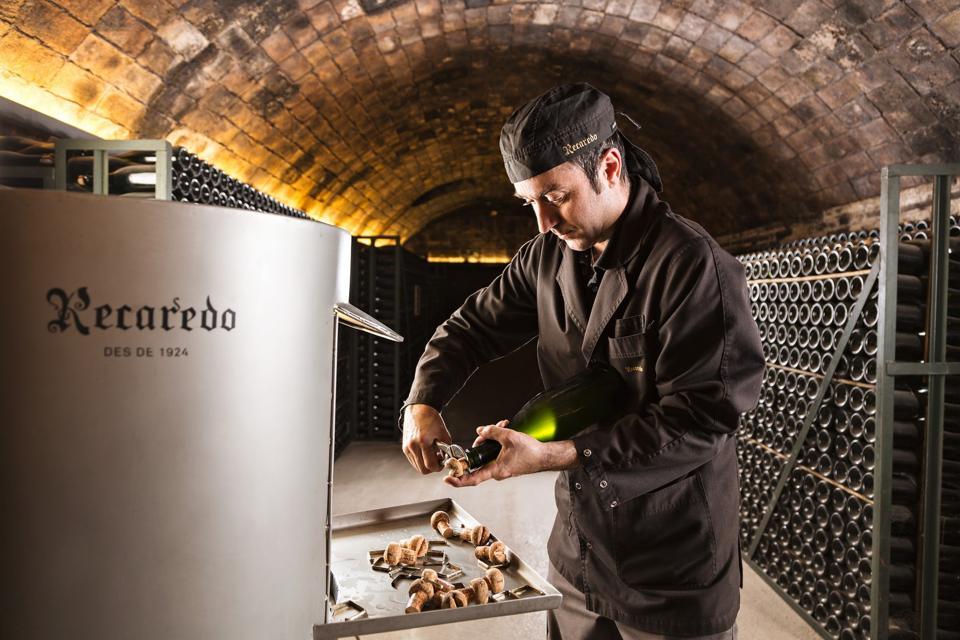 Recaredo disgorging wine