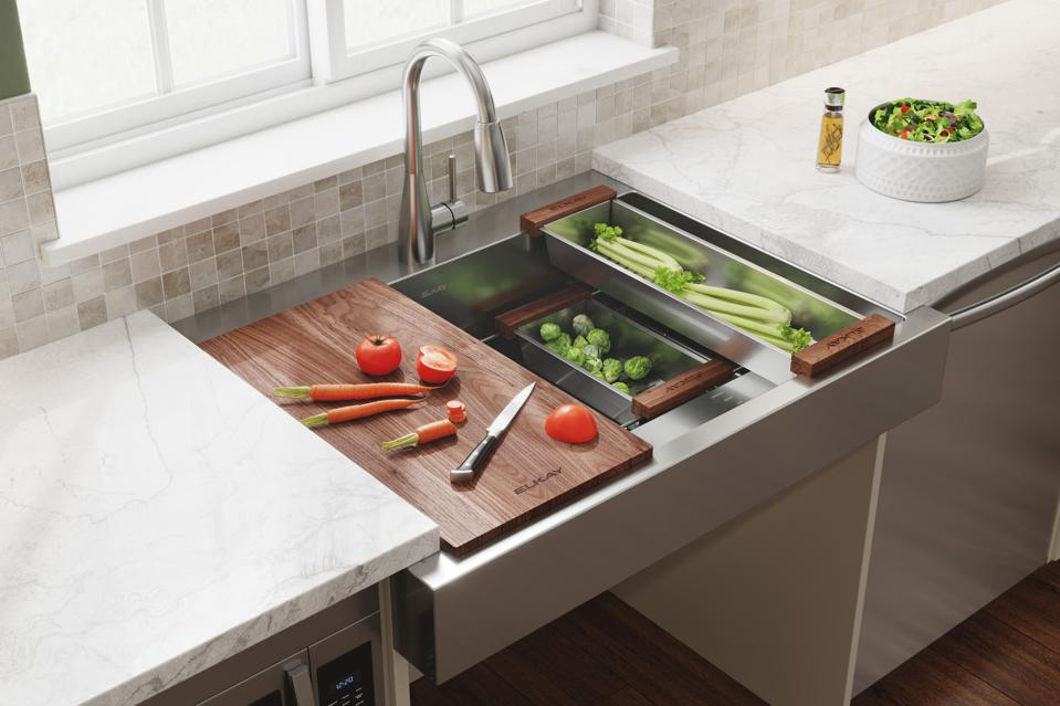 ADA-friendly chef sink