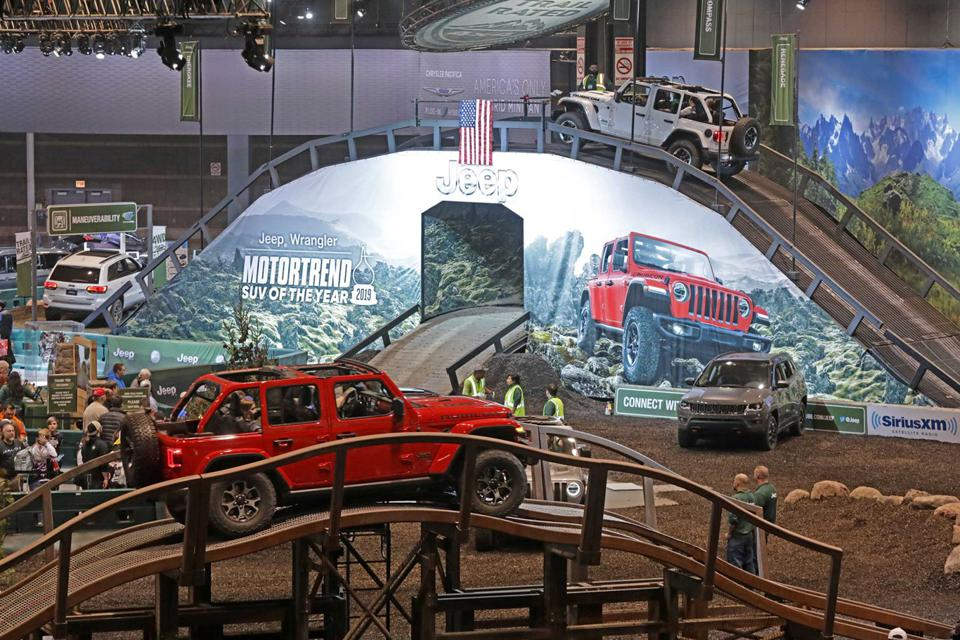 Attendees can ride in Jeep vehicles through various obstacles.