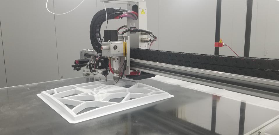 GPJ uses 3D printers to fabricate some display components.