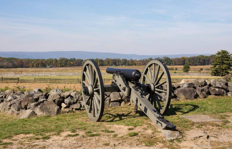 Civil War cannon on the Gettysburg battlefield