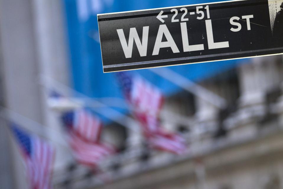 U.S. Stocks Erase Losses As Consumer Confidence Increases