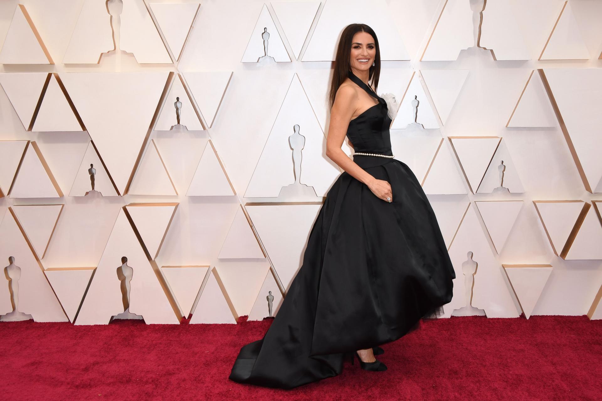 Image result for oscar 2020 dress