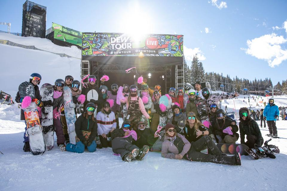 Winter Dew Tour 2020 Beyond the Boundaries women's snowboarding ride day
