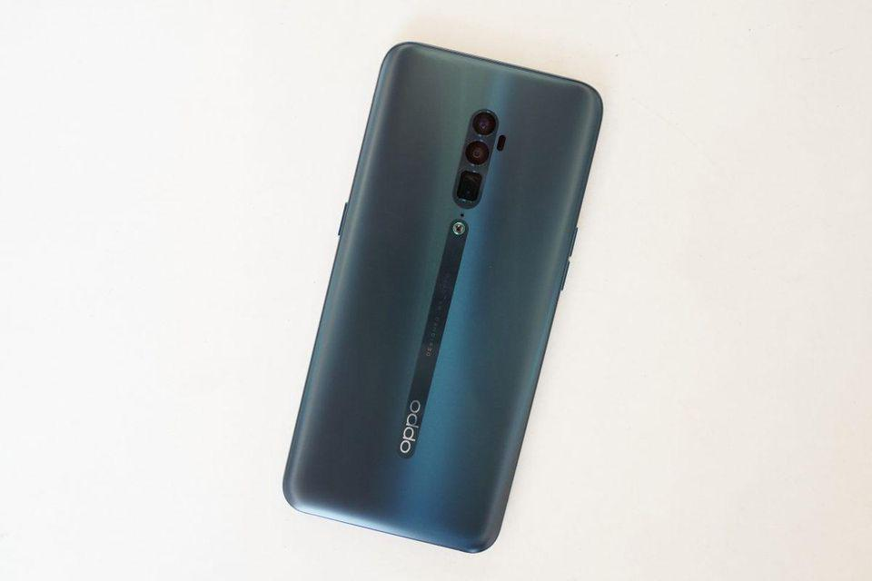 "The Oppo Reno 10X Zoom is one of the first phone to introduce the ""Periscope"" zoom lens that Samsung is using in its S20 Ultra."