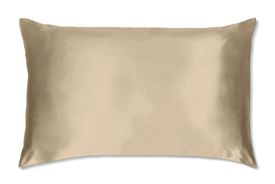 A silk pillowcase in stone by Silk Up