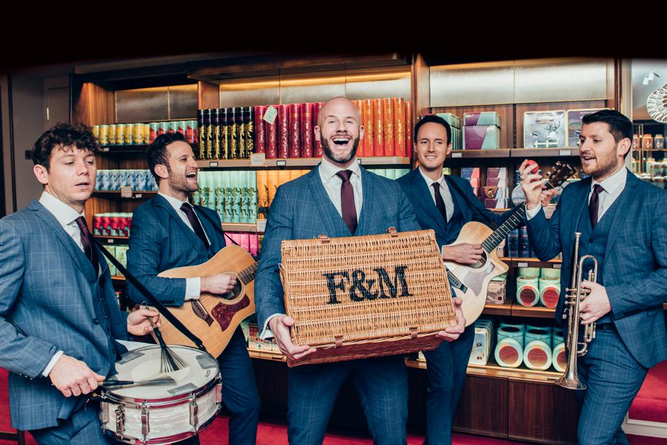 The Fortnum & Mason Valentine's Hamper comes with a barbershop quartet delivery service