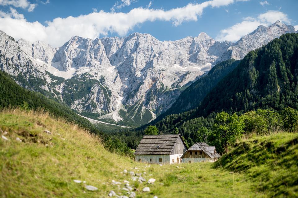 Vues du glacier de Skuta dans les Alpes de Kamnik-Savinja