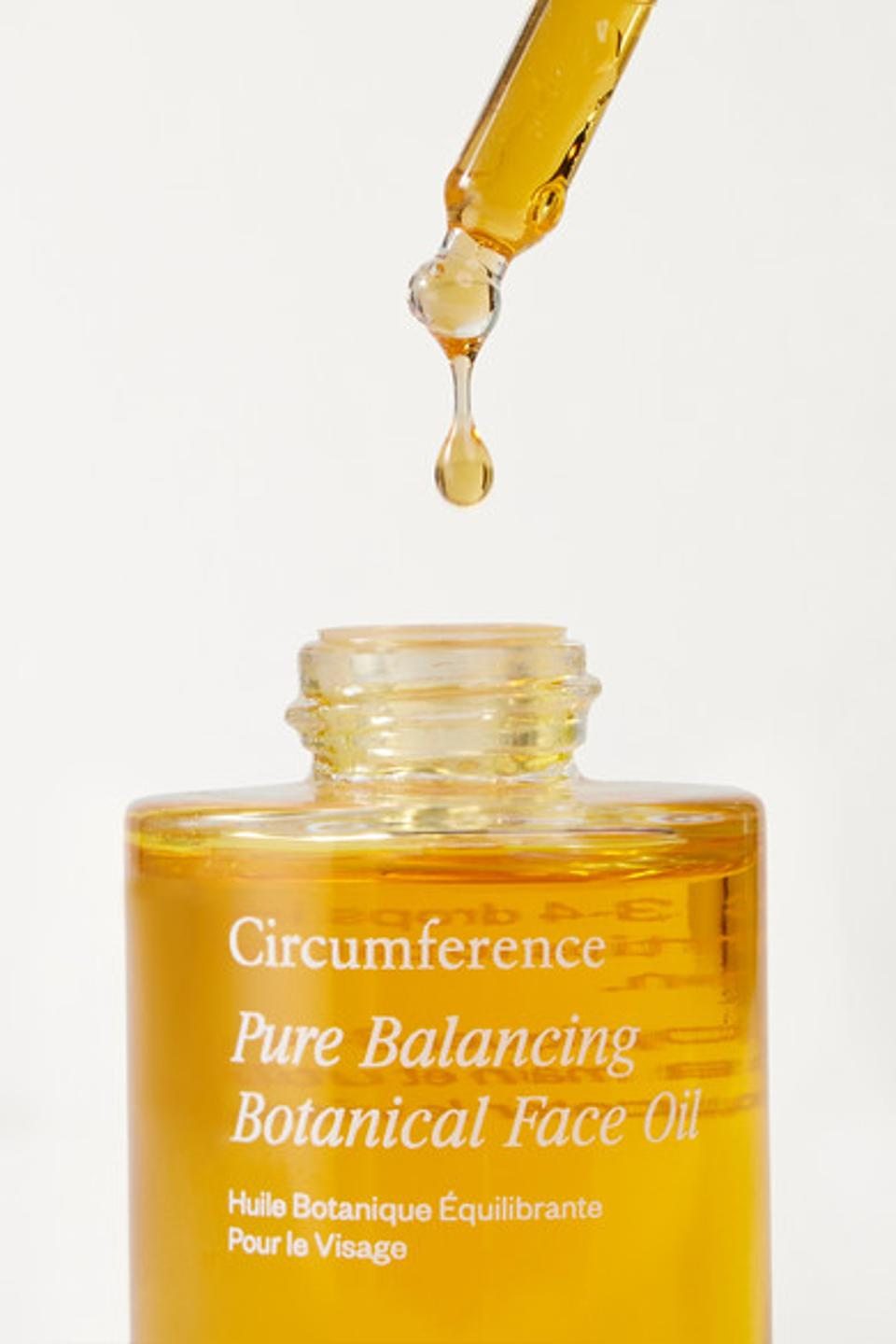 Circumference Pure Balancing Face Oil uses natural botanical that are soured indigenously to ensure potency.