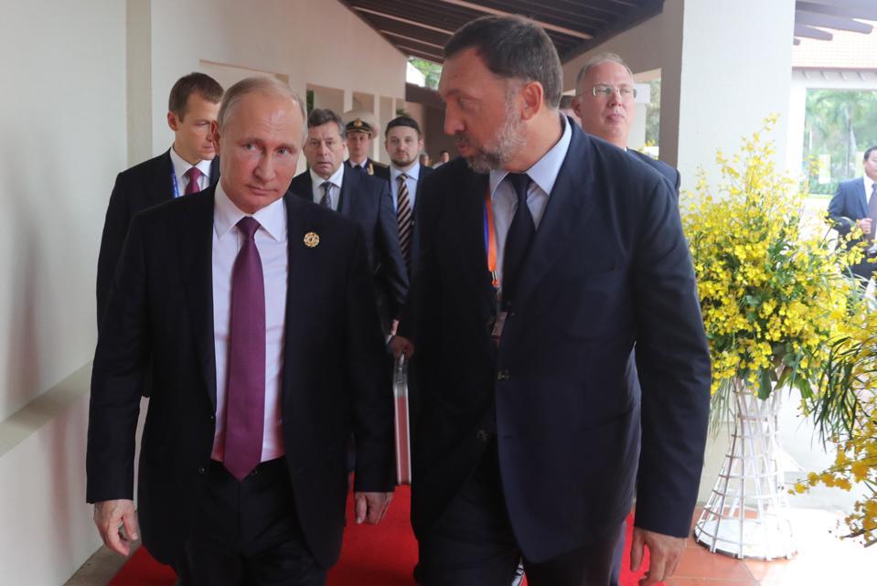 Russia President Putin takes part in 2017 APEC summit