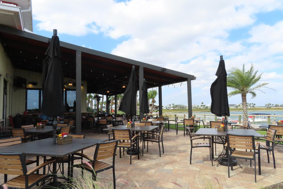Table & Tap restaurant outdoor seating